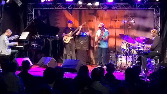 Bileli band