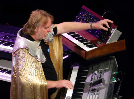 Rick Wakeman Starship Trooper Band1