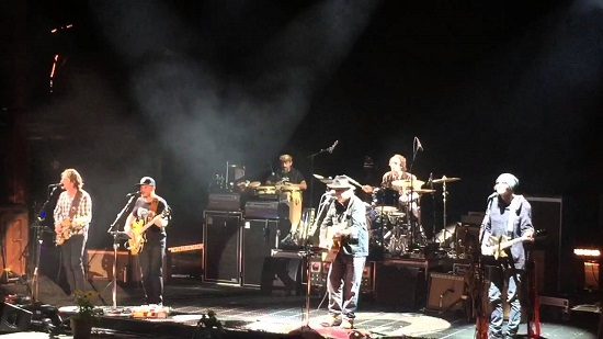Neil Young The Visitor Band 2